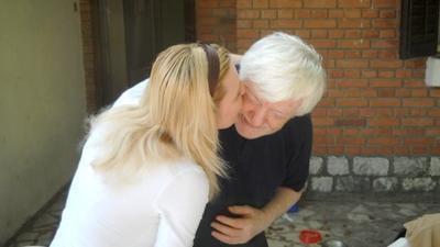 Naklon i poljubac